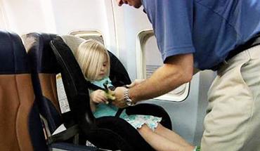 Vliegen met je kleinkind – 6 tips
