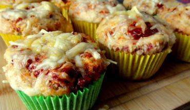 Hartige muffins: mini pizza's