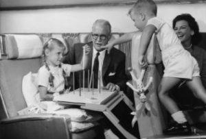 SAS_DC-8-33_intekst