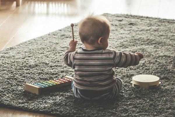 Muziek maken en luisteren, belangrijk voor de ontwikkeling