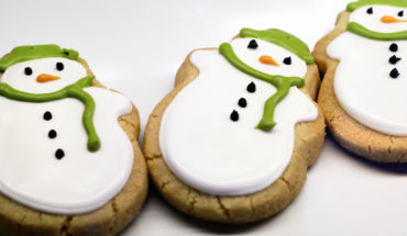 Winterse koekjes: sneeuwpoppen maken