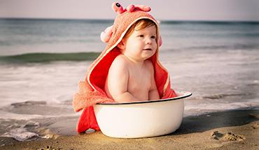 Veilig in de zon met je kleinkind: 10 waardevolle adviezen