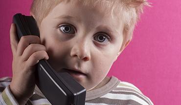 bellen kleinkind uitgelicht