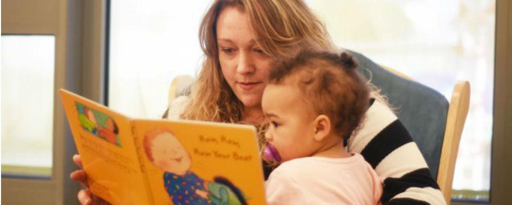 kleinkinderen voorlezen