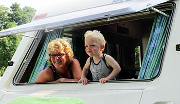 7 redenen om te kamperen met je kleinkind