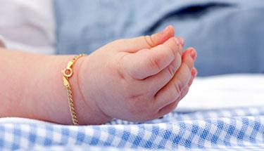 goud cadeau kleinkind uitgelicht